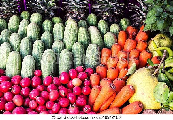 Fruta y verduras - csp18942186