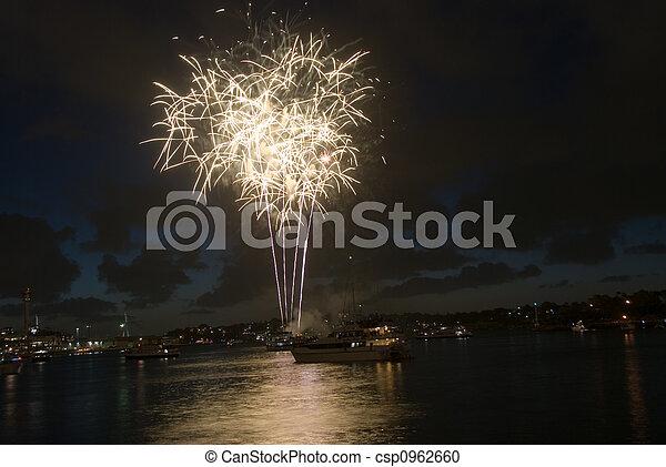Sydney tiene fuegos artificiales - csp0962660