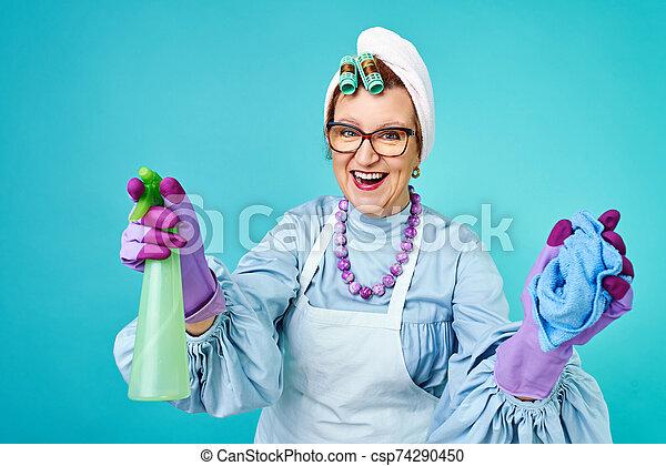Fun Broom Corps Faire Idiot Comique Froussard Dame Femme Foyer Femme Autour De Personnes Agees Vieille Dame Canstock