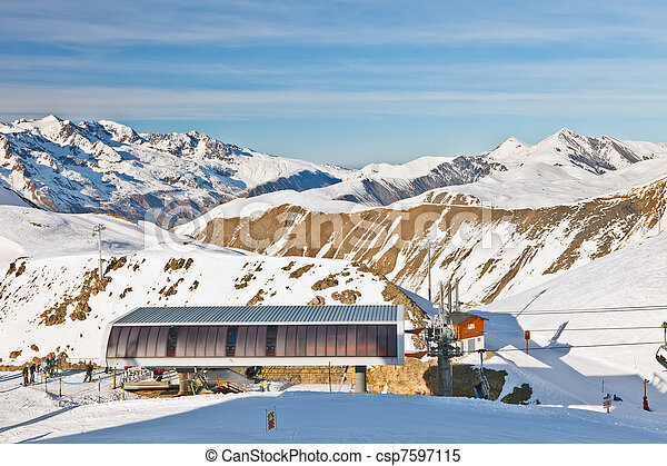 Estación de funicular en algas francesas - csp7597115