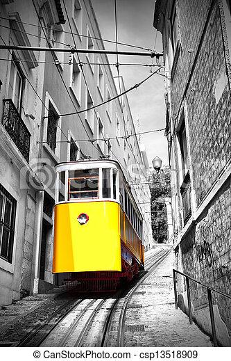 El funicular de Lisboa - csp13518909