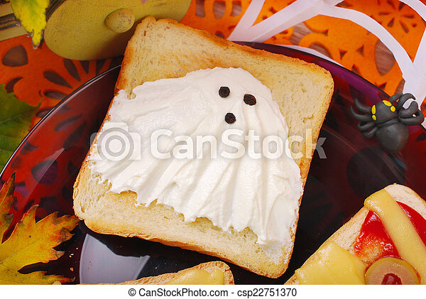funny sandwich with ghost for halloween - csp22751370