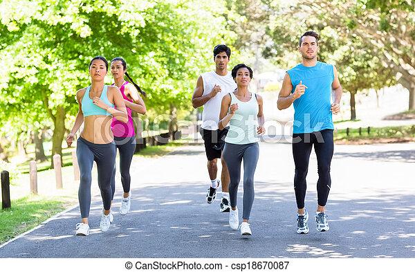 futás, utca, atléta, maratoni futás - csp18670087