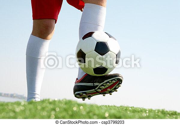 Jugando al fútbol - csp3799203