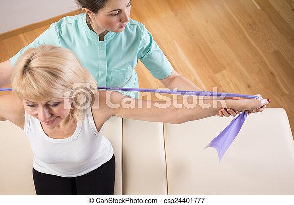 fysiotherapeut, aanzicht - csp24401777