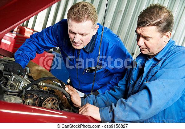 gép, autó, kórmeghatározás, két, szerelő, autó, probléma - csp9158827