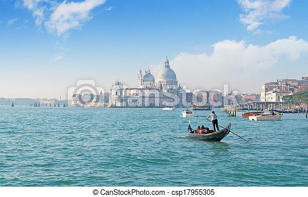 Gondola en Venecia - csp17955305