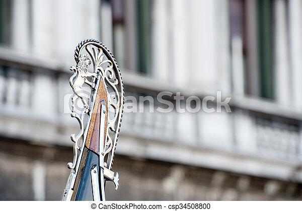 Particula de una góndola en Venecia - csp34508800
