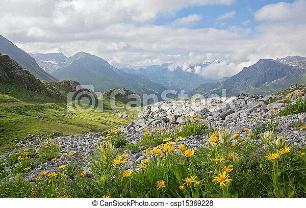 góry, krajobraz - csp15369228