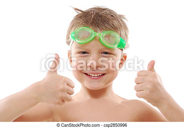 Niño con gafas y pulgares hacia arriba - csp2850996