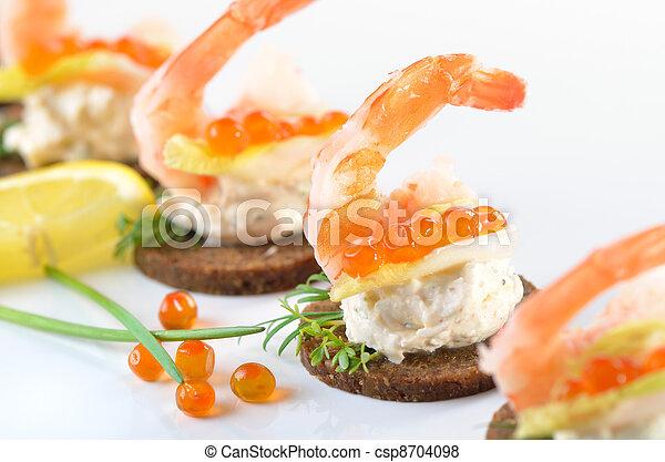 Snacks con gambas - csp8704098