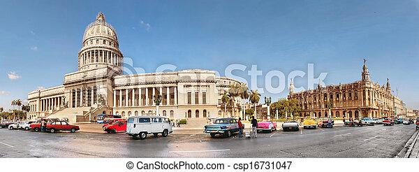 gammal, kapital, streets, syn, cuba-may, stad, bara, 14:vintage, havana.these, till, köpt, vara, havanna, maj, bilar, berömd, ena, 14, år, senast, bilar, could - csp16731047