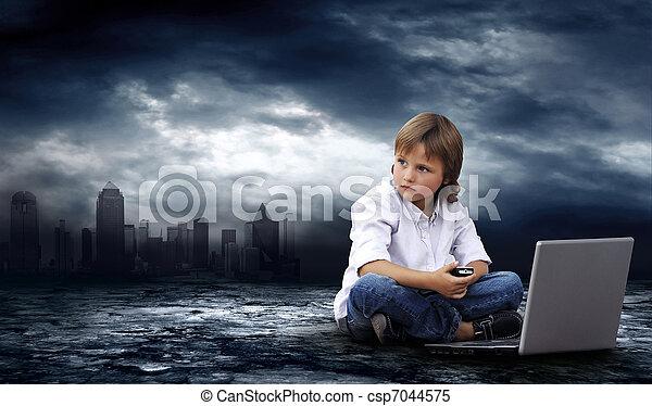 garçon, ordinateur portable, ciel, éclair, sombre, world., crise - csp7044575