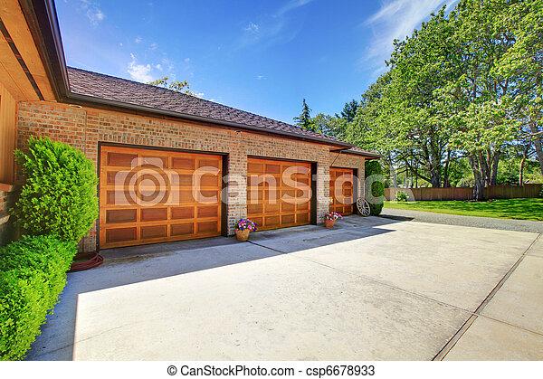 Garage Bois Trois Portes Luxe Beau Trois Grand  Photos De