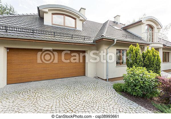 Garage modern  Garage, modern, landhaus, idee. Landhaus, garage, kopfstein, außen ...