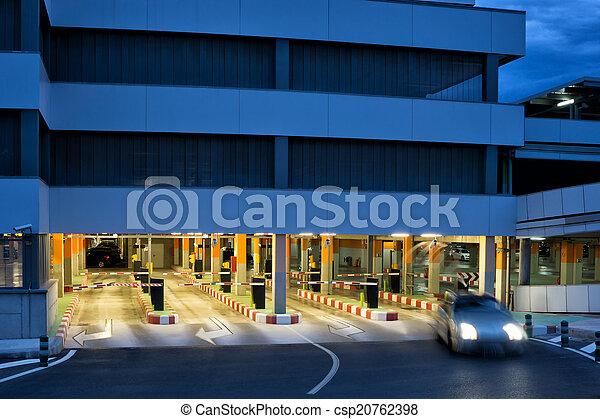 Garage parcheggio garage aeroporto parcheggio tempo for Piani di garage free standing