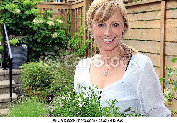 garden.., dame, jardinier - csp27943968