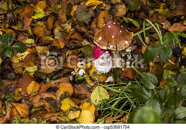 Garden gnome - csp53691704