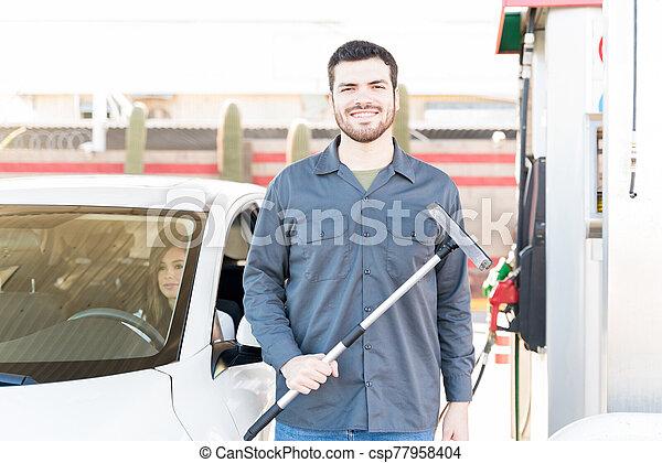 gas, asistente, sonriente, trabajando, estación - csp77958404