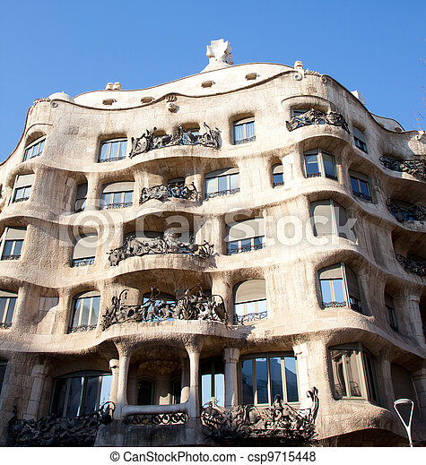 gaudi architekt pedrera barcelona la pedrera paseo. Black Bedroom Furniture Sets. Home Design Ideas