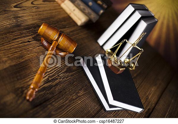 gavel bois, livres loi - csp16487227
