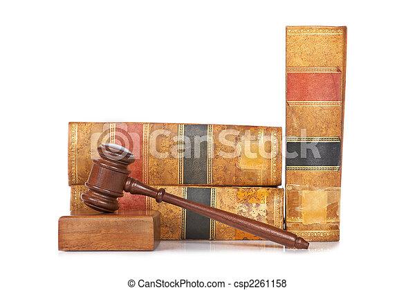 gavel bois, livres, vieux, droit & loi - csp2261158