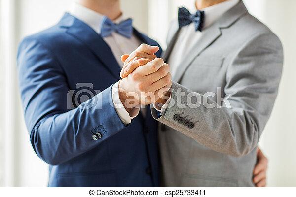 sexe gay heureux ébène lesbiennes tribbing chatte