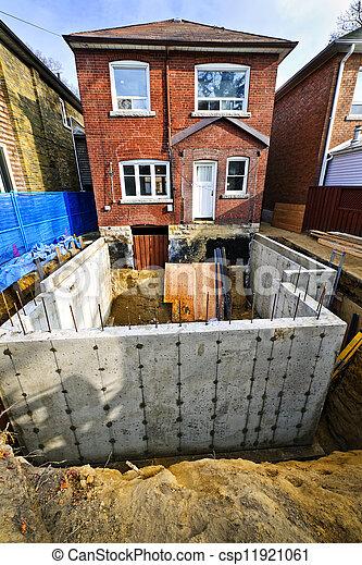 Bauaufbau nach Hause - csp11921061