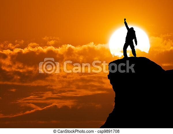 Mann auf dem Berg - csp9891708