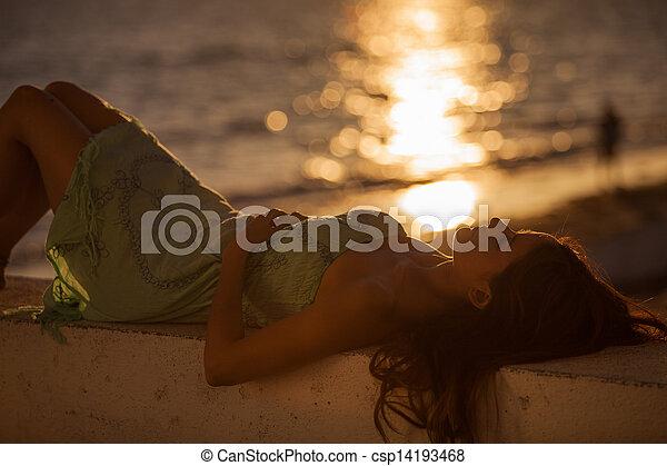 gedurende, strand, ondergaande zon , relaxen - csp14193468