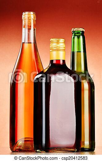 Gemischt, flaschen, alkoholische getränke, bier,... Bilder ...