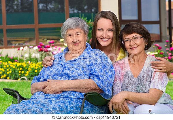 generazione, campagna, tre donne - csp11948721