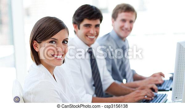 gens, enthousiaste, ordinateurs, business, fonctionnement - csp3156138