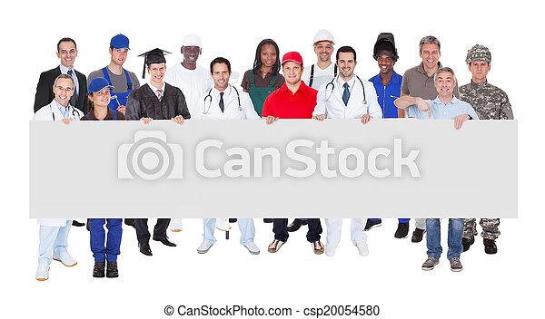 gens, métiers, divers, tenue, vide, panneau affichage, sourire - csp20054580