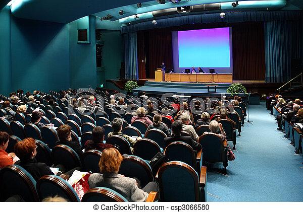 Gente en conferencia - csp3066580