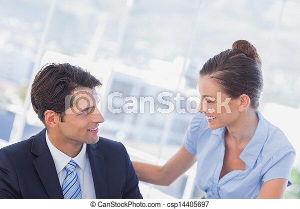 Gente feliz de negocios sonriendo - csp14405697