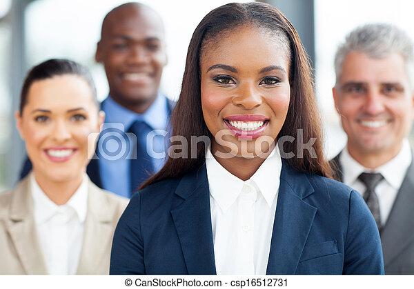 geschäftsfrau, kollegen, junger, afrikanisch - csp16512731