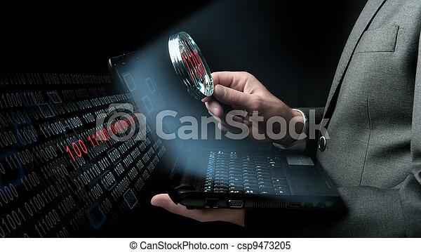 Geschäftsmann sucht nach einem Virus - csp9473205