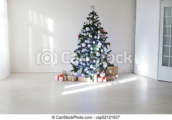Weihnachten Geschenke 2019.Geschenke Dekoriert Baum Zimmer Weihnachten