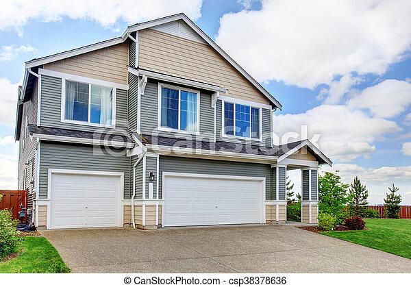 Delightful Geschichte, Garage, Haus, Zwei, Groß, Beton, Plätze, Zufahrt,