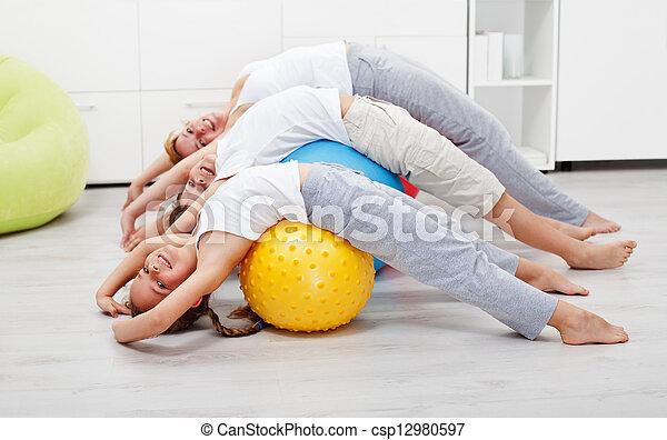 gesunde, daheim, glücklich, trainieren, leute - csp12980597