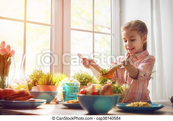 gesundes essen, daheim - csp38140584
