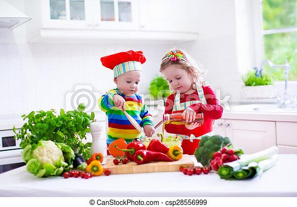 gesundes mittagessen vegetarier kinder kochen mahlzeit koch m dchen kinder gemuese. Black Bedroom Furniture Sets. Home Design Ideas