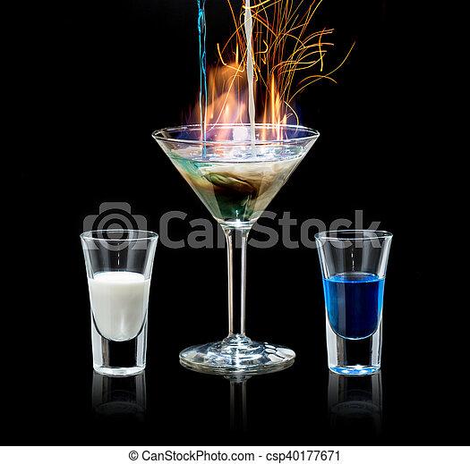 Getränk, schwarz, cocktail, brennender, zurück. Gegangen,... Bild ...
