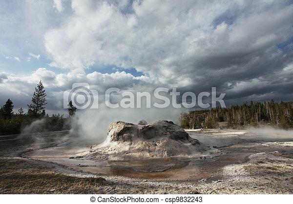 Geyser in Yellowstone - csp9832243