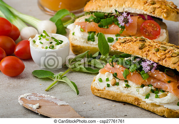 gezonde vis, snack - csp27761761