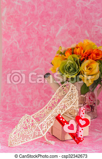 gift on a pink background. - csp32342673