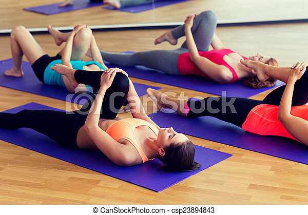 ginásio, esticar, grupo, mulheres - csp23894843
