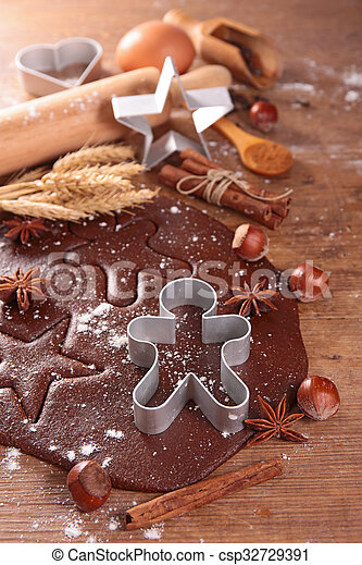 ginger bread cookie and mold - csp32729391