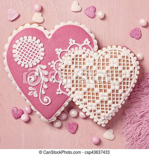 Gingerbread heart cookie - csp43637433